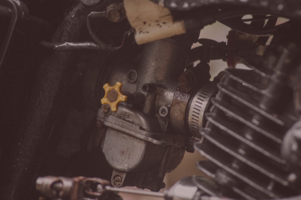 What is motorcycle carburetor and How To Clean A Motorcycle Carburetor